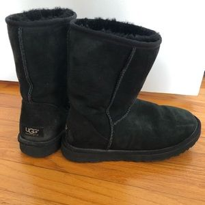 UGG Classic Short Suede Black boots Women's Size 8
